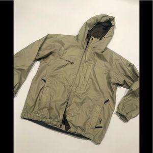 🦄 Columbia storm dry green man jacket L